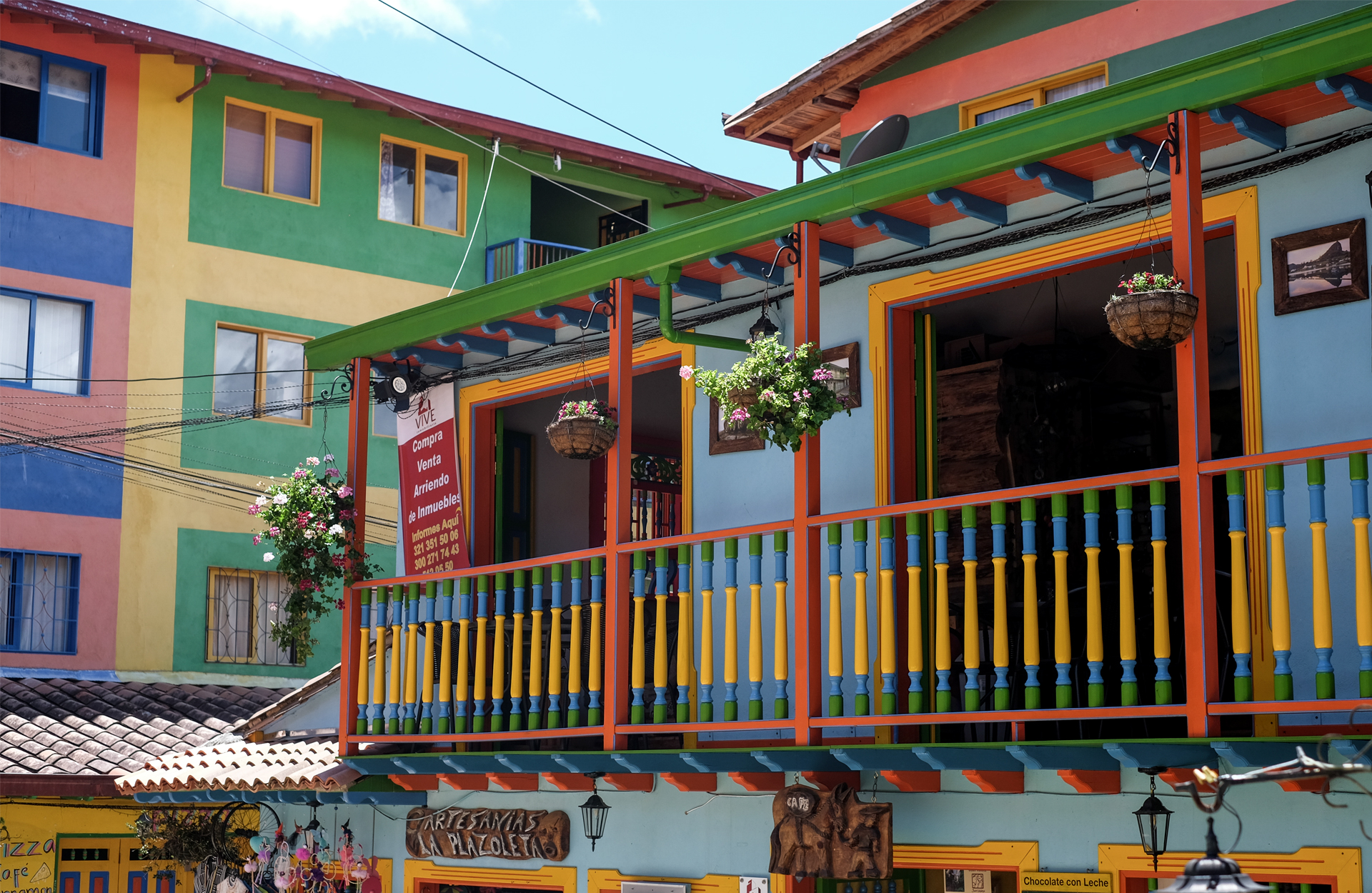 colorful houses of guatape with bas-reliefs