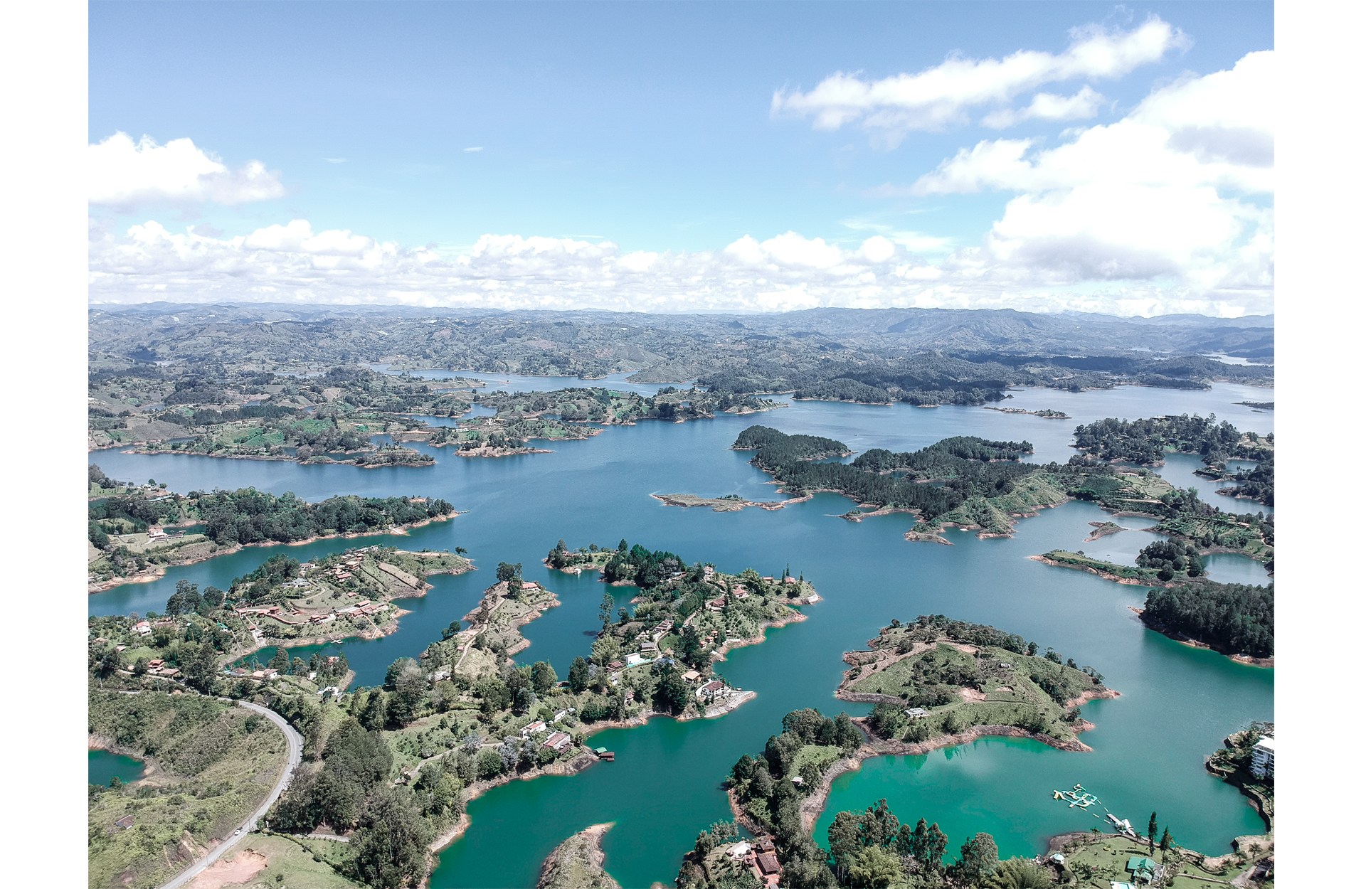 View of the blue water of the guatape lake