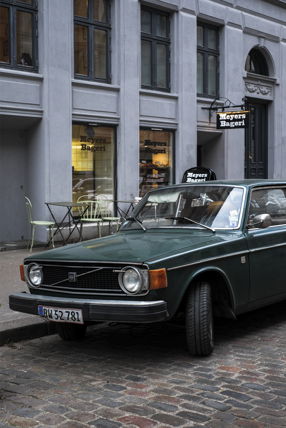 Meyers Bageri in Copenhagen and car
