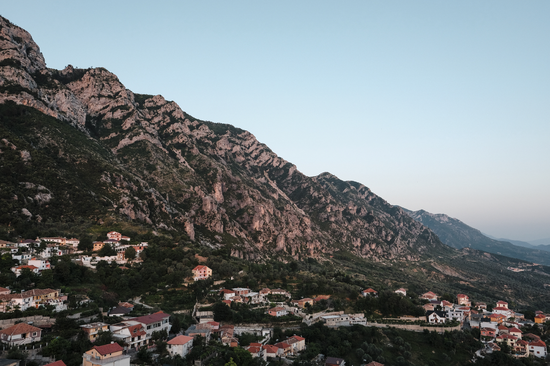 Sunset at Krujë with the mountains in backdrop
