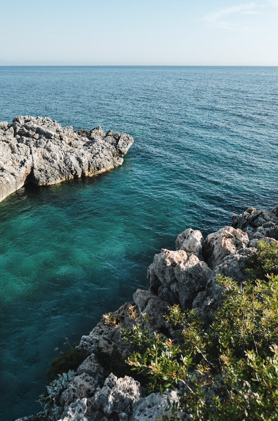 Creek, Cliff and turquoise water, best beaches in the Riviera